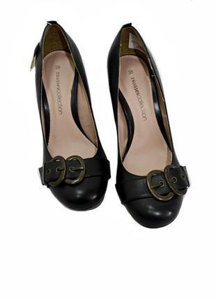 Кожаные  женские туфли на каблуке 3 suisses.  код п2401