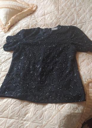 Красивая черная блуза расшитая бисером