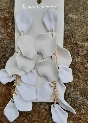 Серьги-лепестки