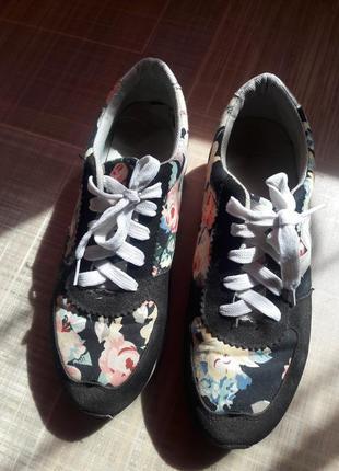 Оригинальные женские кроссовки new balance