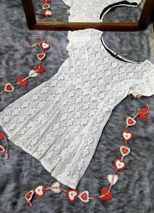 Sale платье туника из ажурного гипюра boohoo