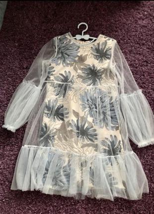 Нарядное платье с фатином детское