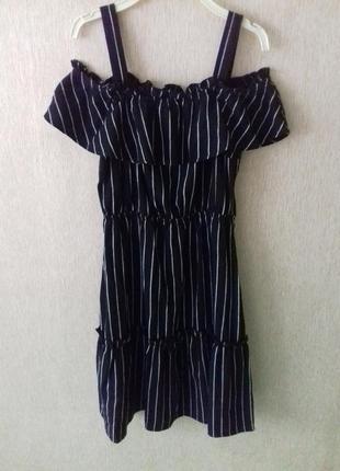 Крутое стильное  льняное  платье  в полоску  с открытыми плечами