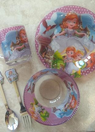 Набір дитячого посуду. дитяча посуда. принцеса. софія