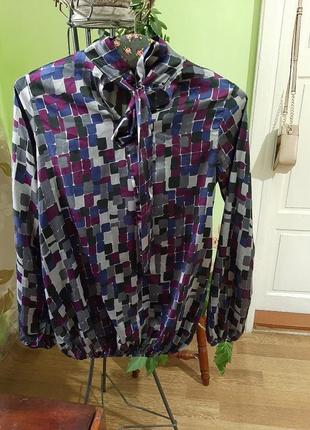 Блуза в геометричний принт