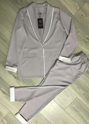 Идеальный серый костюм