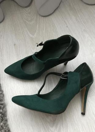 Туфли лодочки изумрудного цвета