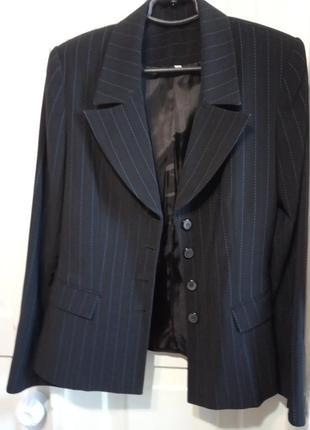 Брючный костюм в синюю полоску