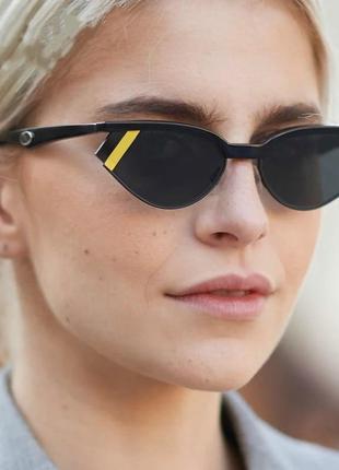 Очки окуляри стильные в стиле 90-х  черные темные трендовые спорт солнцезащитные новые