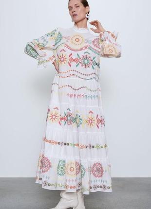 Вышитое хлопковое летнее платье1 фото