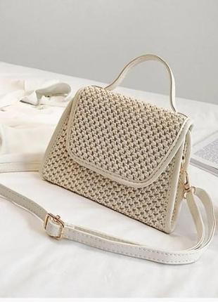 Соломенная летняя сумочка