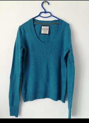 Фирменный свитер тонкий свитерок хорошего качества