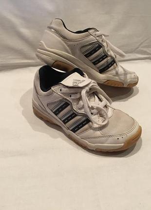 Кроссовки *adidas* оригинал вьетнам р. 29 ( 18.00см)