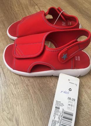 Фирменные босоножки сандалии