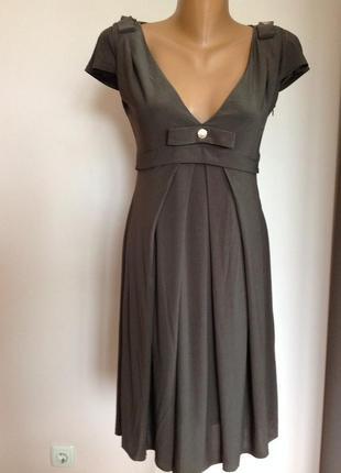 Оливковое фирменное лёгкое платье бренда karen millen