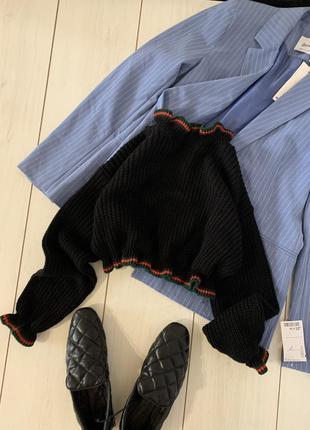 Укороченый свитер с рюшкой