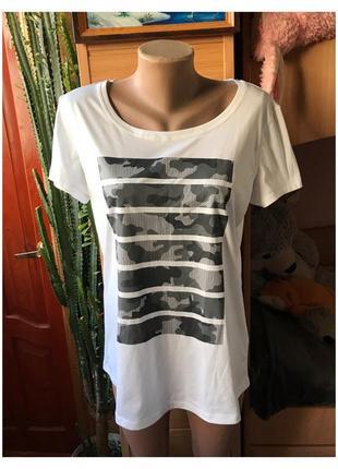 Белая спортивная футболка crivit камуфляж