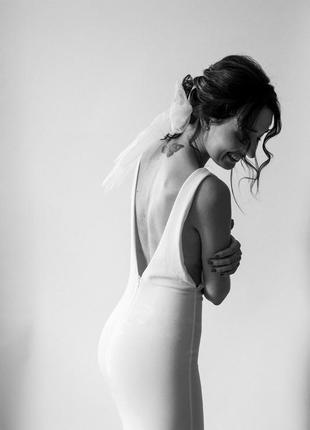 Изысканное платье со шлейфом,модель «рыбка» missguided