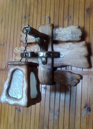 Деревянное настенное бра ручной работы