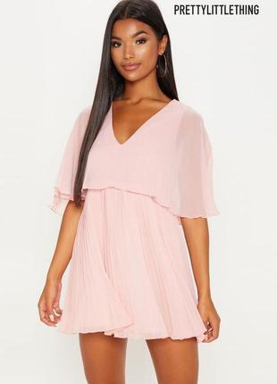 Нежное новое плиссе платье prettylittlething