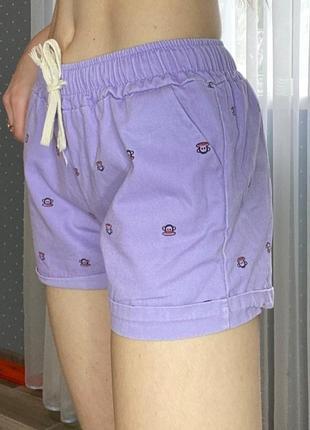 Короткие шортики, шорты нежного цвета