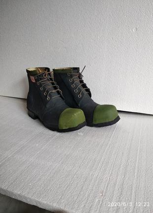 Ботинки резиновые на шнурках английские