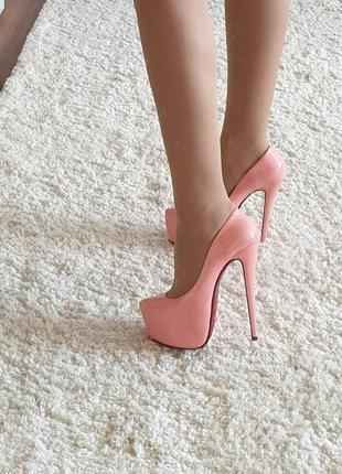 Полностью натуральные туфли 36