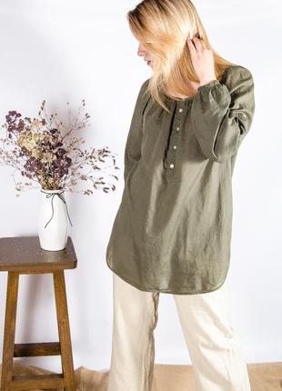 Оливковая рубашка с объемными рукавами