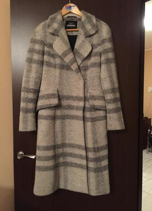 Очень красивое трендовое пальто из валяной шерсти