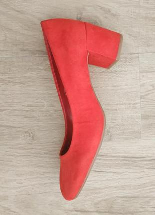 Червоні туфлі f&f