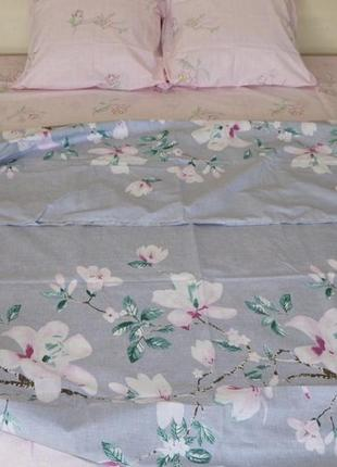 Комплект постельного белья из бязи  евро размера цветы с компанией1 фото