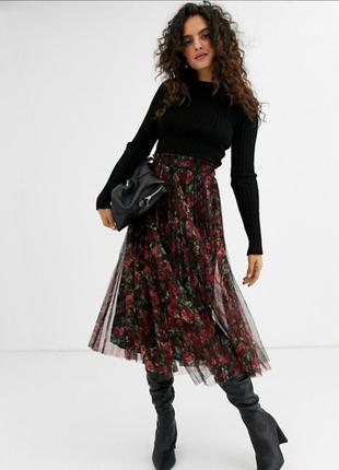 Stradivarius чёрная в цветы розы фатиновая миди юбка плиссе