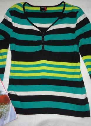 Фирменный  свитер
