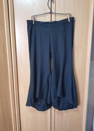 Интересные чёрные укороченные штаны, бриджы, кюлоты, легкие черные штаны