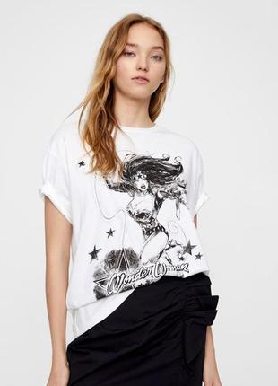 Крутая футболка pull&bear wondee woman