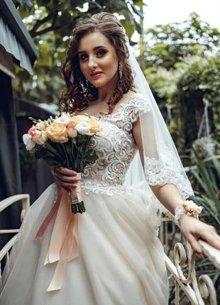 Свадебное платье 2019 года