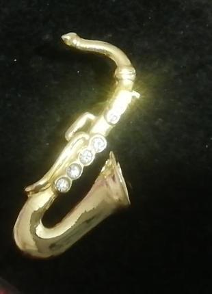 Красивая винтажная брошь 'саксофон из камушками' из старинного поместья + подарок