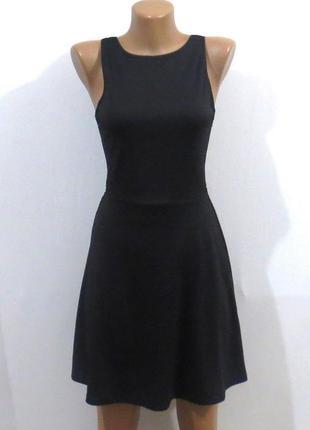 Стильное черное платье стройнит от h&m sale размер: 42-44-xs-s