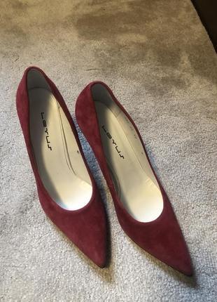 Новые туфли натуральный замш