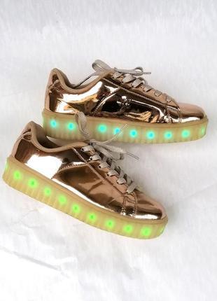 Кеды кроссовки светящиеся на платформе