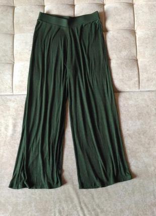 Широкие брюки кюлоты zara  на резинке оливкового цвета, хаки, размер m