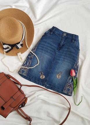 Шикарна джинсова спідничка з вишивкою на високій посадці від esmara
