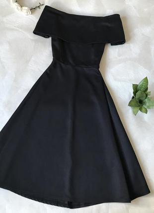 Чёрное платье миди с открытыми плечами boohoo вечернее