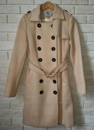 Роскошное пальто от burberry, m