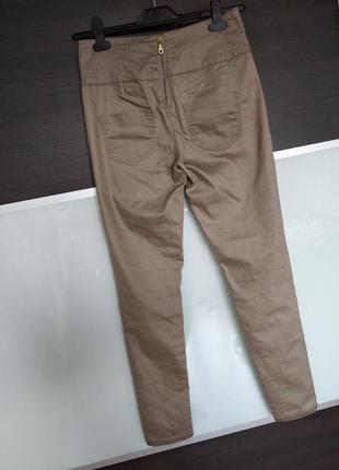 Суперовые джинсы скинни с замочком сзади  высокая посадка pieces accessories.