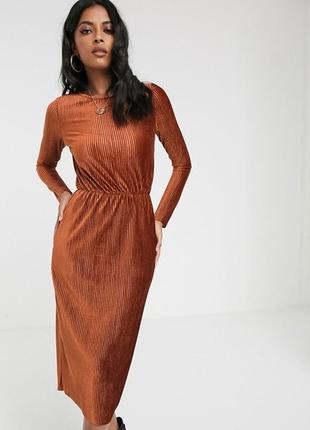 Бархатное платье glamorous