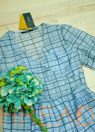 Платье из органзы с актуальным рукавом - фонариком