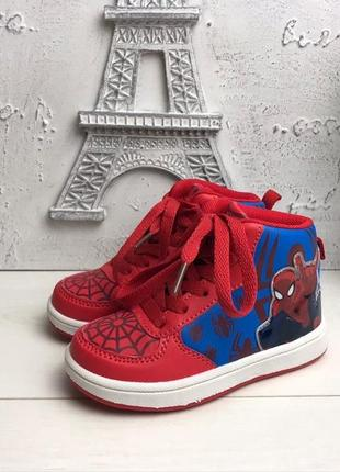 Классные кроссовки человек паук