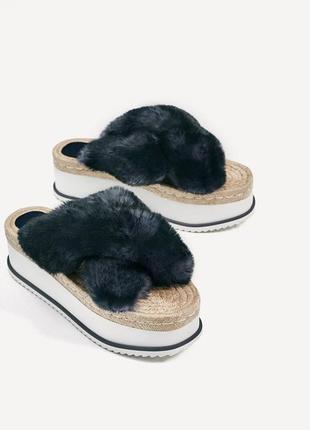 Модные босоножки сандалии, шлепанцы с меховой отделкой zara р. 39 (26 см) испания