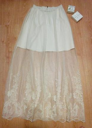Шикарнейшая юбка с вышивкой на сетке.